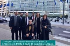 11-encontro-em-frente-a-sede-da-comissao-europeia